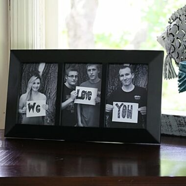 We Love You Photo Frame from Amanda Formaro of Crafts by Amanda