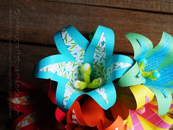 These are gorgeous and so easy! Tropical Paper Flowers by Amanda Formaro of Crafts by Amanda