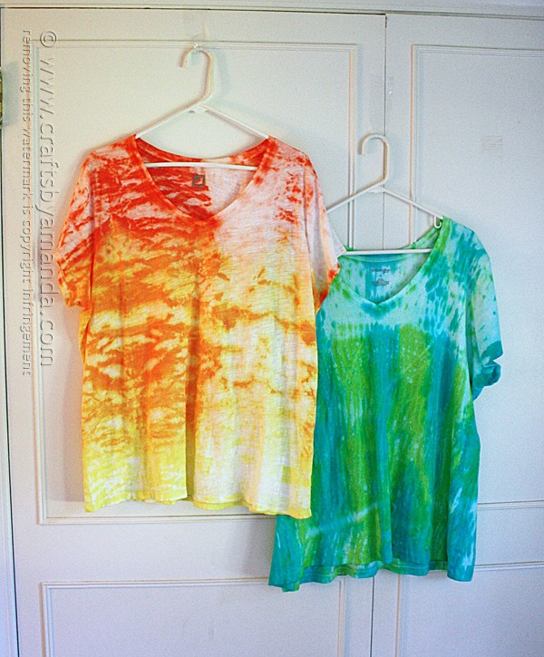 Shibori Tie Dye Tees by Amanda Formaro of Crafts by Amanda