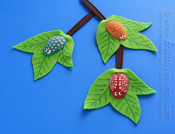 Plastic Spoon Bugs on a Branch by Amanda Formaro of Crafts by Amanda