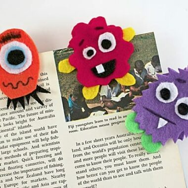 OH MY GOSH! Cutest bookmarks on the planet, must make these! - Monster Bookmark Craft by Amanda Formaro of Crafts by Amanda