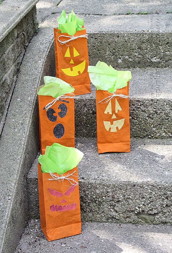 Fun Jack O' Lantern Treat Bags for Halloween!