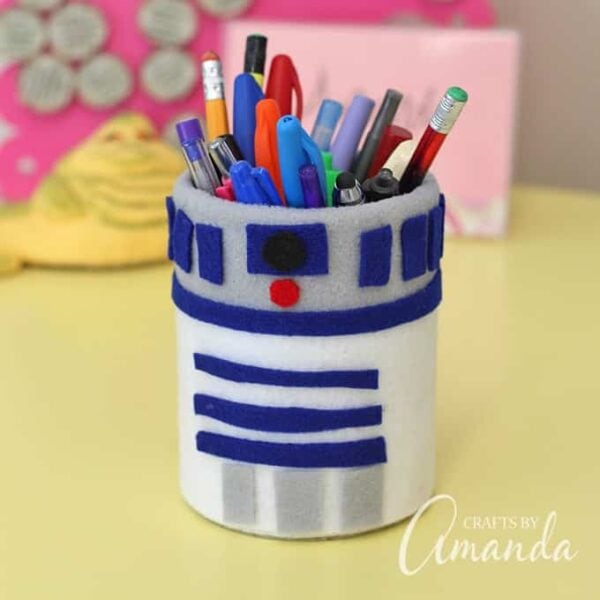 Star Wars Craft: R2-D2 Pencil Holder