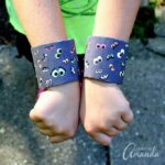 Pull out the cardboard tubes and construction paper to make these adorable spooky eyeball bracelets for Halloween! These easy to make Halloween bracelets are great for wearing to festive parties, school festivals and just for a fun afternoon craft with the kids. Boys and girls alike will love this project.