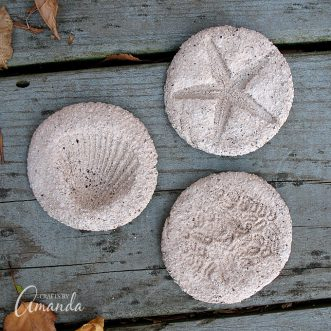 Kids will love making these coffee ground fossils and pretending they are on an archeological dig! Make these fossils with coffee grounds, flour and more.