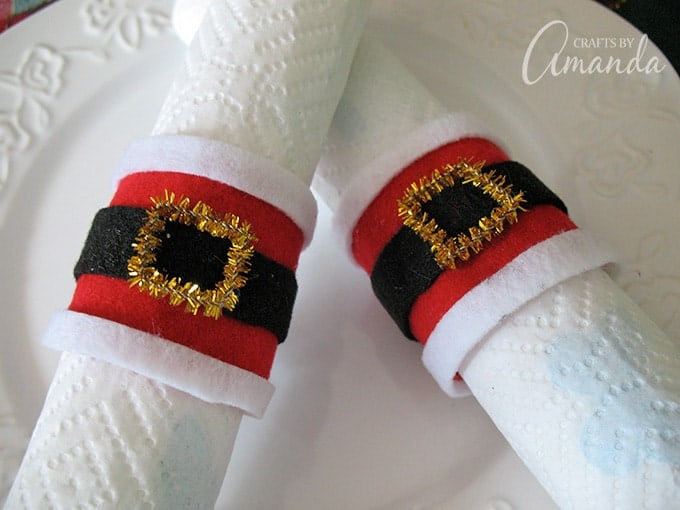 Santa's belly napkin rings are so easy to make and they are so cute!