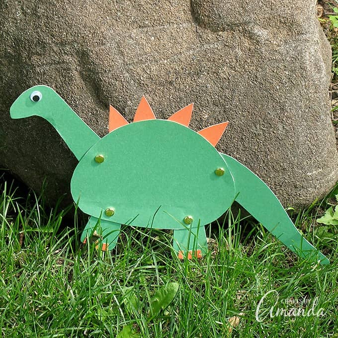 This movable dinosaur craft is a fun project for boys and girls alike. Engage your child in the prehistoric world with this easy paper dinosaur that comes to life! Use this craft as an opportunity to enlighten your little ones of the world that once was- long, long ago.