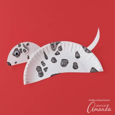 Kids of all ages will enjoy making a paper plate dalmatian. This craft requires minimal supplies and hardly any time, making it perfect for school or home.