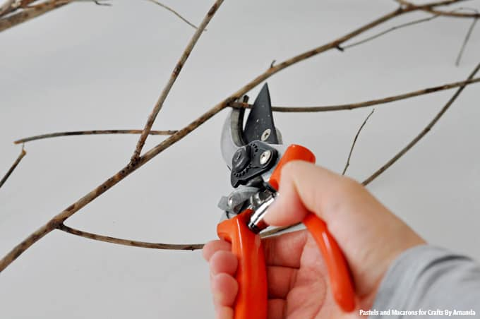 Cut twigs into desired length