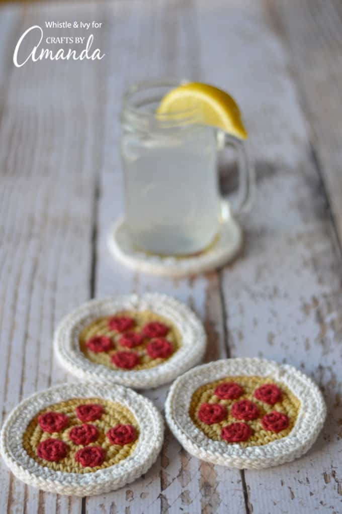 Learn how to make crochet pizza coasters