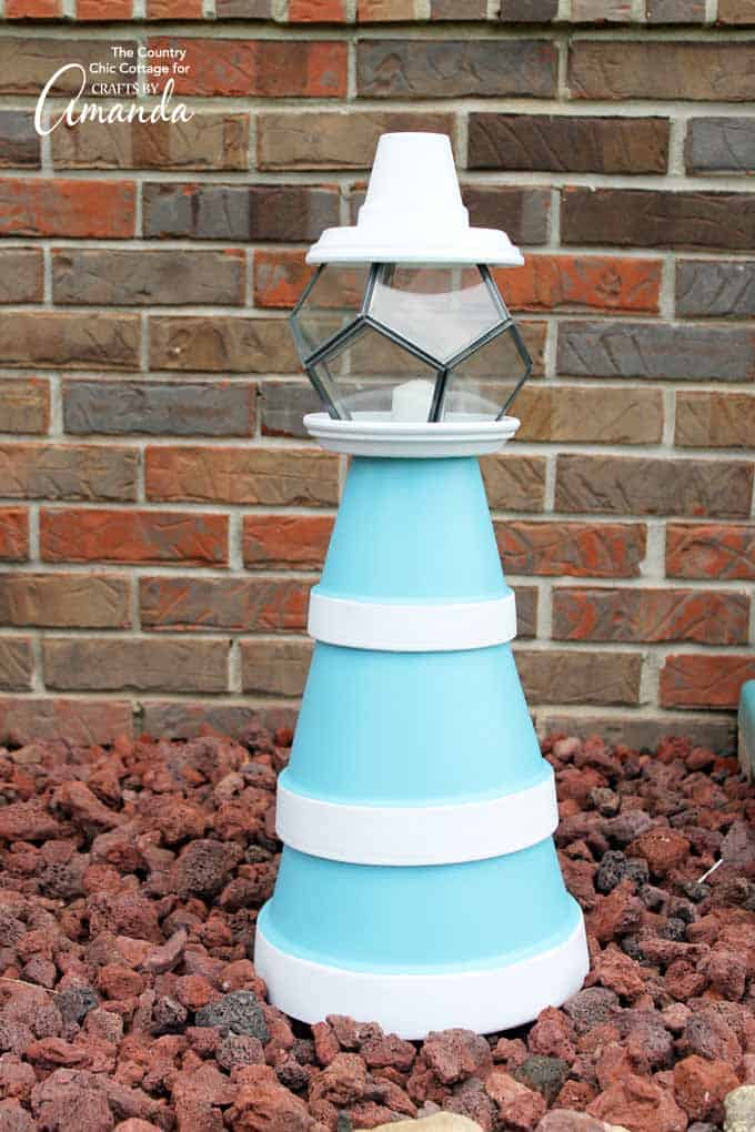 Easy clay pot lighthouse for the garden
