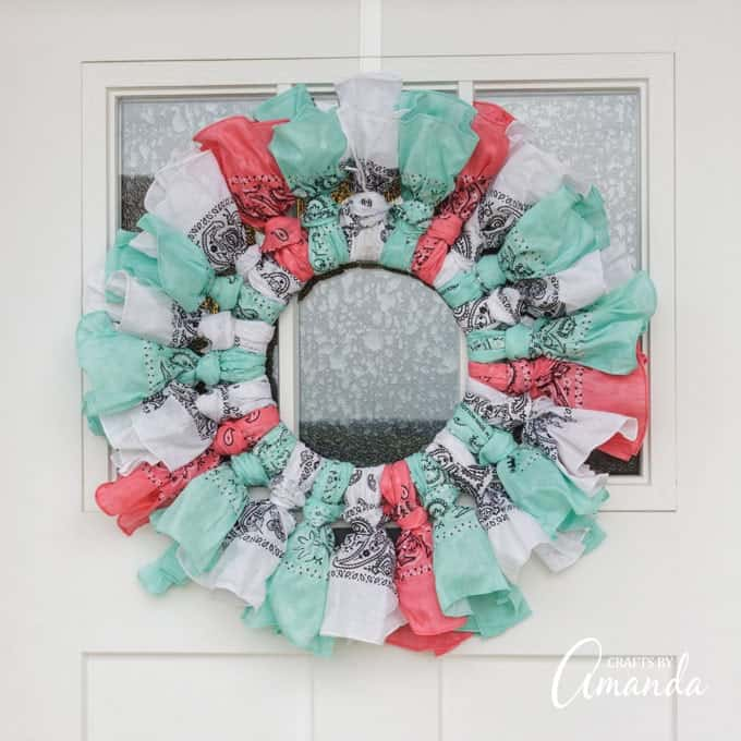 How to make a bandana wreath