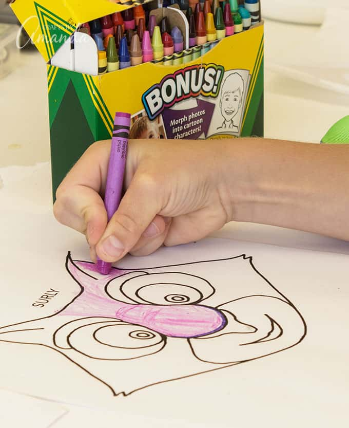 The coloring method is easier for younger children. So if your kids have a younger sibling that wants to play along, simply print the patterns above, have your little ones color them and cut them out, then glue them to the paper bag. Even the littles can make their own paper bag squirrel puppets!