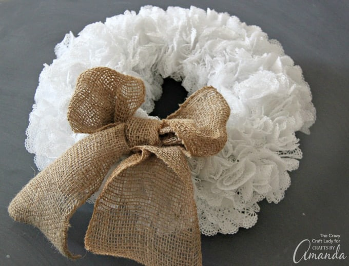 How to make a doily wreath 3