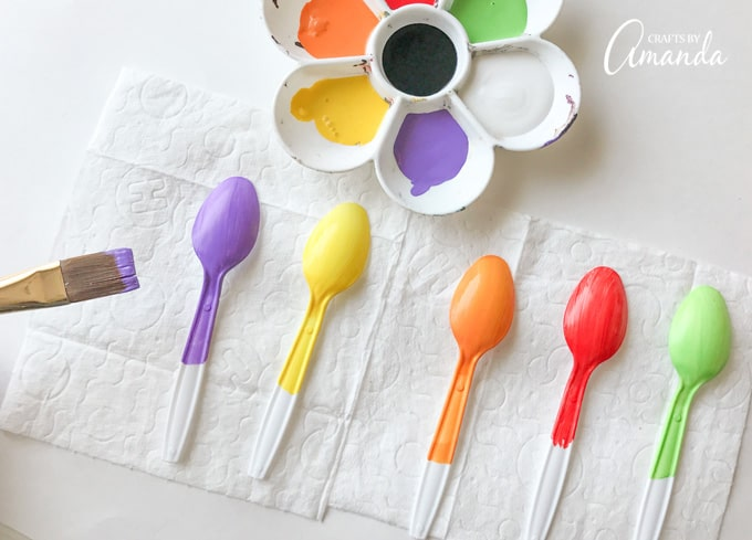 Paint the back of the spoon and halfway down the handle. Allow to dry and repeat for a second coat.