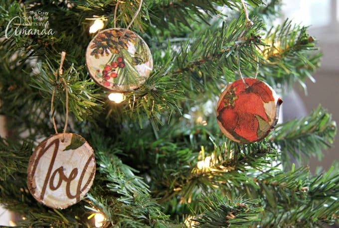 A fun Christmas craft for just about all ages- DIY Wood Slice Ornaments