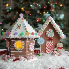 Learn how to make adorable Gingerbread Houses from wooden birdhouses!