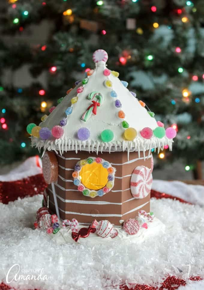 Important note - nothing on these gingerbread houses is edible!