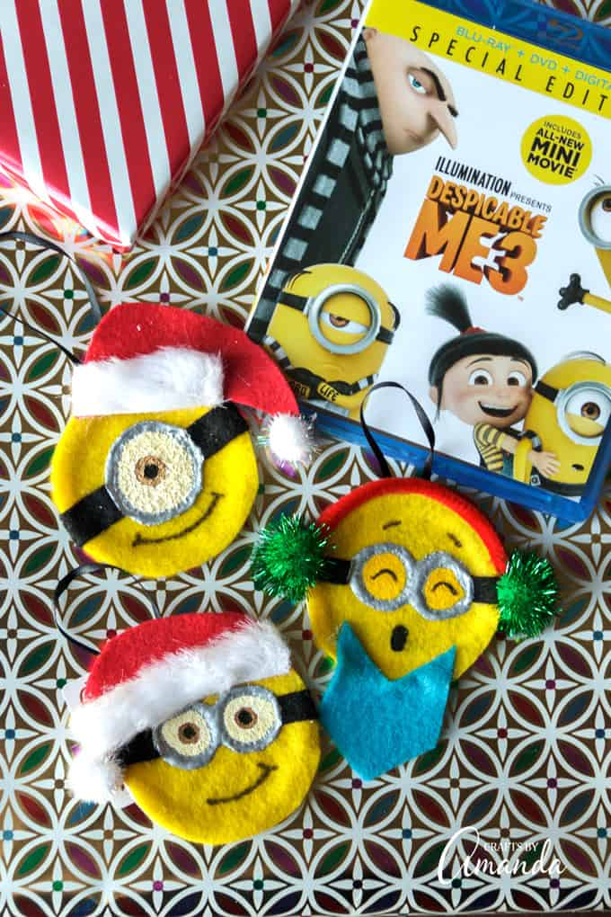 how to make adorable minion ornaments for christmas ad make these and then watch