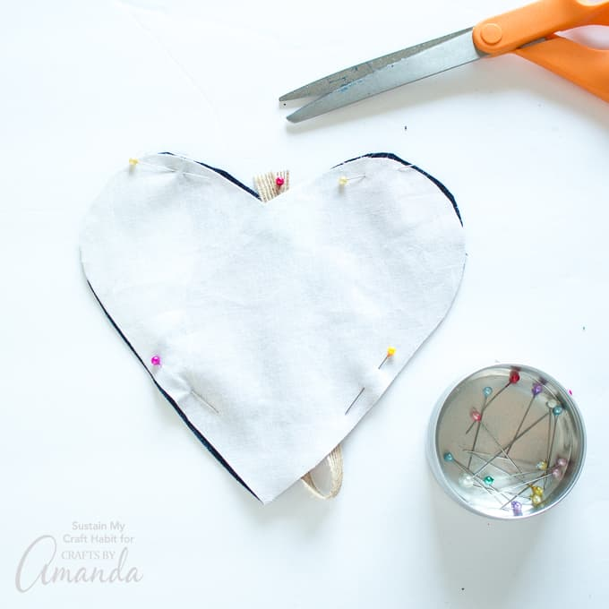 How to make a Heart Garland Step 6-pinning fabric hearts together