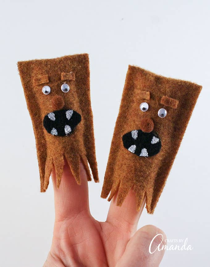 Use these adorable Wookiee Finger Puppets during your storytime routine or as imaginative play for kids!