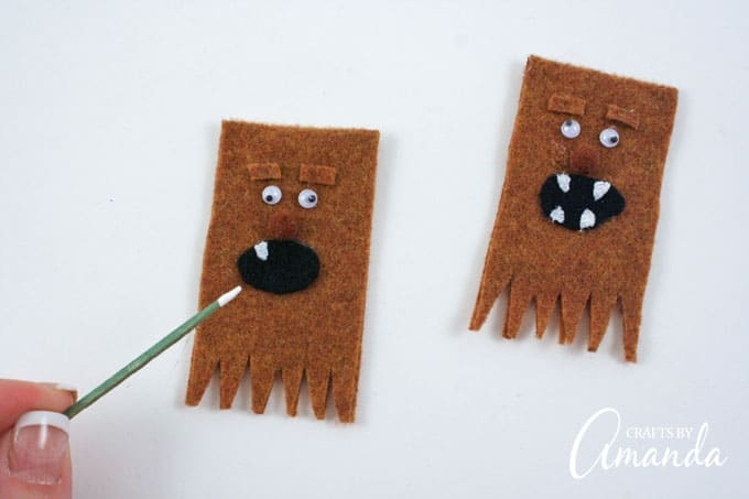 How to make Wookie Finger Puppets from Star Wars step 5 and 6