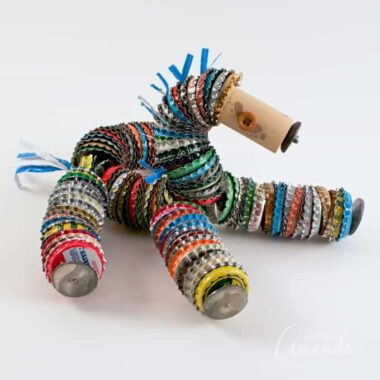This bottle cap horse is definitely one of the cutest ways to use your stash of saved up bottle caps. Using light floral wire, your bottle cap horse will flop around like a rag doll!