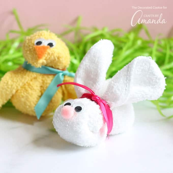 Washcloth Bunnies: Washcloth Bunny And Chick: An Adorable Craft For A Baby