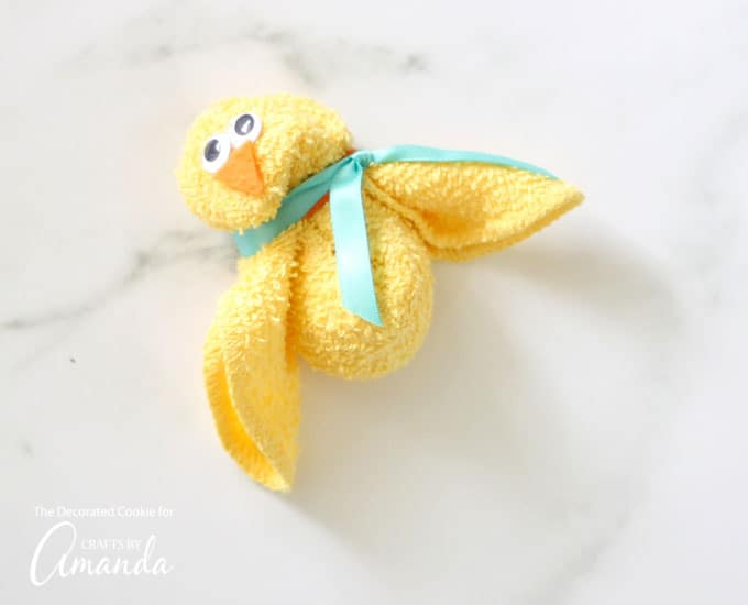 Super cute Washcloth Bunny and Chick craft!