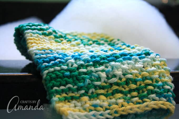 With this dishcloth knitting pattern you can make your own and knit some extra ones to give as gifts!