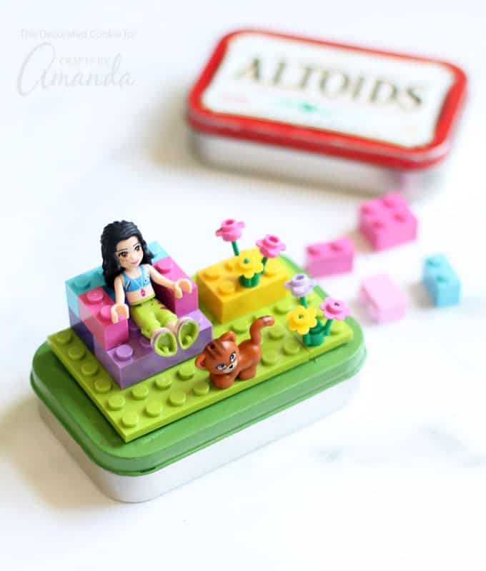 Lego Altoid Tins: great way to keep kids busy on a plane or road trip