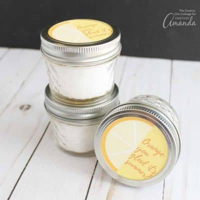 Need a teacher gift idea for the end of the school year? Look no further than these orange bath salts with free printable jar tops.  Mix up a batch of these salts in minutes and cut out the tags.  A teacher gift has never been easier to make!