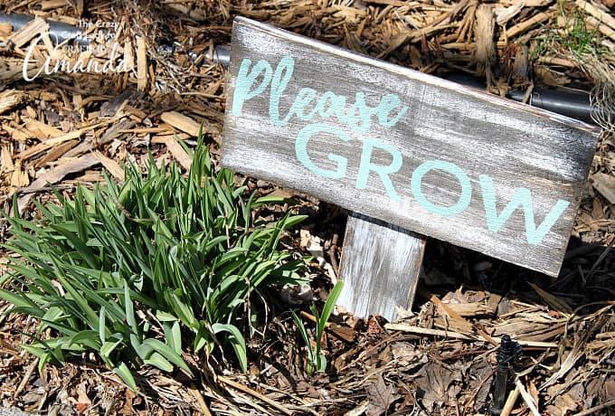 Distressed Garden Sign