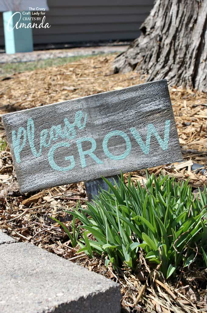 Spring craft, distressed garden sign