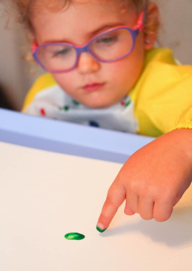 toddler finger painting
