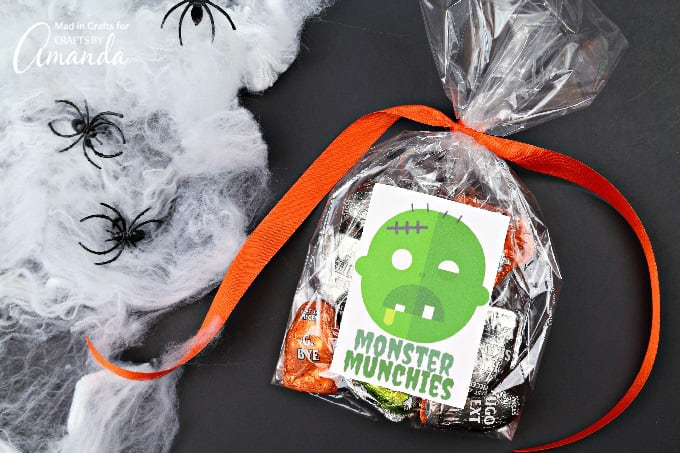 Cute Frankenstein Printable Monster Stickers, place them on Halloween goodie bags!