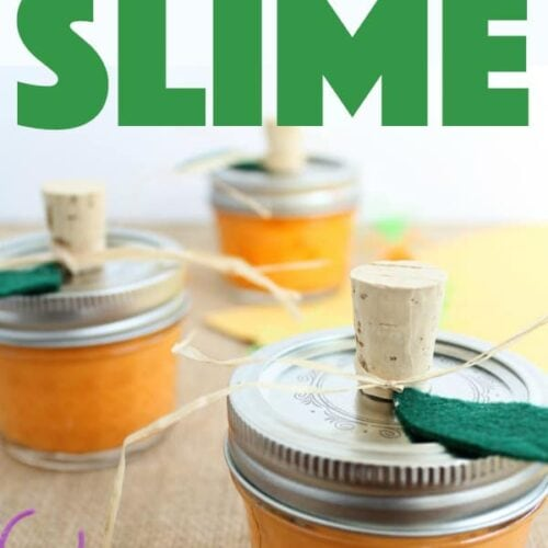 This pumpkin slime makes the perfect Halloween party favor for kids, or as a great alternative to candy giving! Kids will love helping make pumpkin slime! #slime #pumpkin #halloween #halloweencrafts #halloweenparty #giftideas #kidscrafts #masonjar #fall