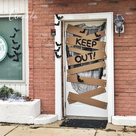 halloween door decorations - keep out