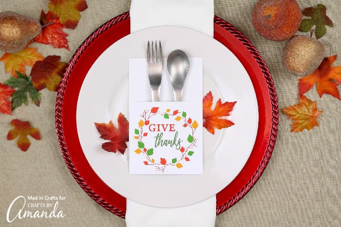 Create a charming utensil holder for your thanksgiving table this year!