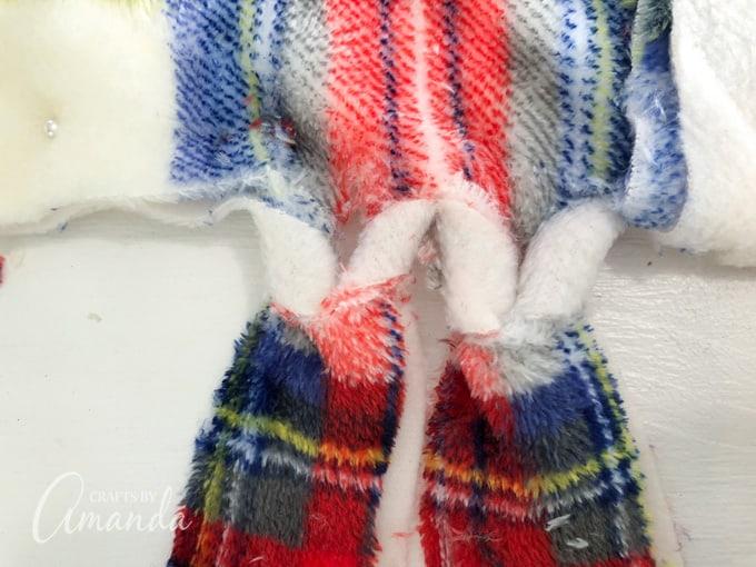 flat knots in blanket