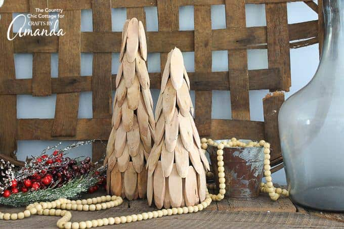 Add a farmhouse touch to your home with these wood slice trees!