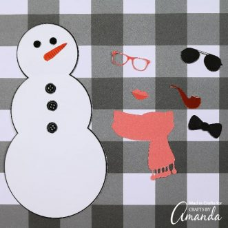 Cut out the pieces of this adorable Build a Snowman printable to have hours of fun creating your own snowmen for when you're stuck inside in the winter! #wintercrafts #kidscrafts #freeprintables #printables #snowmancrafts #snowman