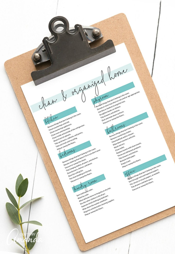 ORGANIZING CHECKLIST ON CLIP BOARD