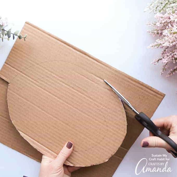How to make an XO valentine door decor step 2- cute cardboard