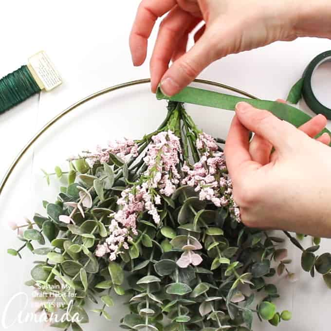 DIY Spring hoop wreath