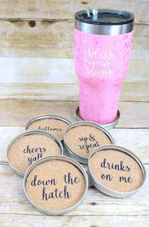 Mason Jar Lid Coasters - recycled crafts - Crafts by Amanda