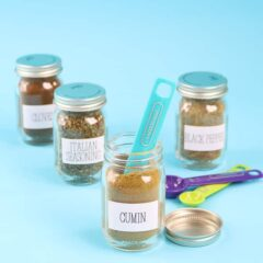 mini mason jars with spices