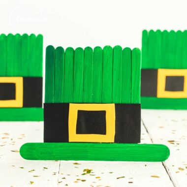 leprechaun hats made from popsicle sticks