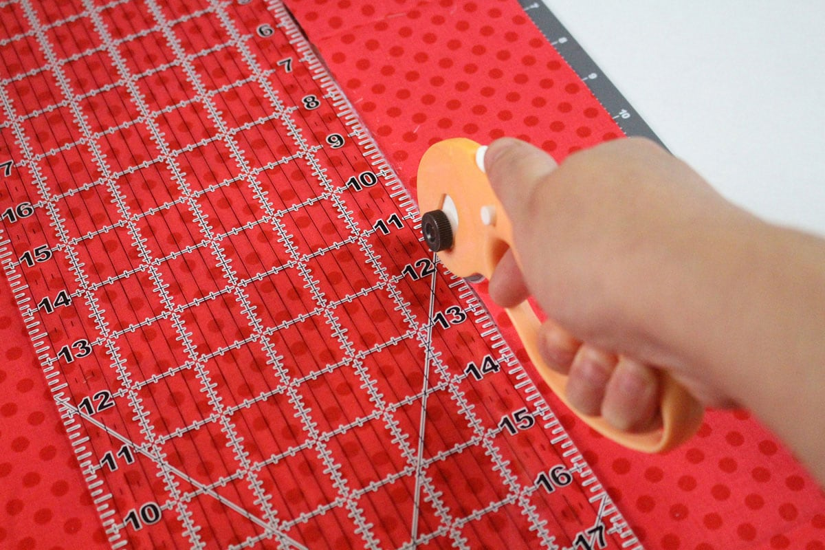 cutting fabric with a rotary cutter