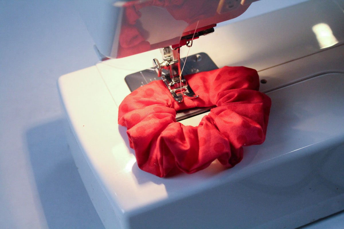 sewing a scrunchie together on sewing machine